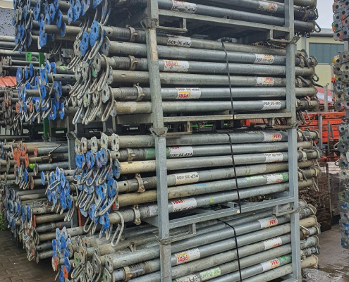 Used Peri PEP slab props 30-400